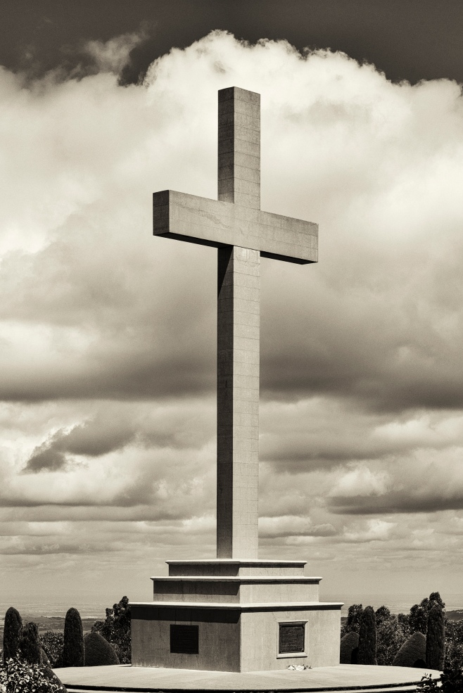 B&w cross